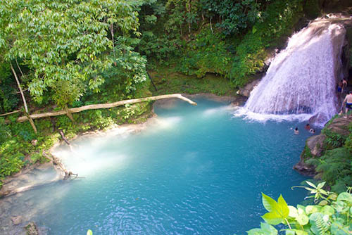 blue-hole-waterfall